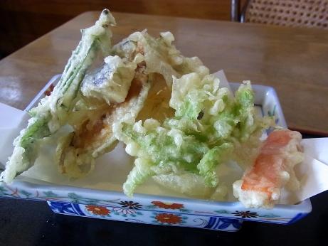 旬の自家栽培の野菜の天ぷら