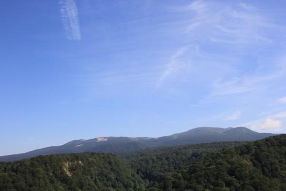 花山峠から栗駒山