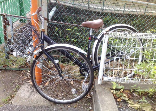 ひしゃげた自転車
