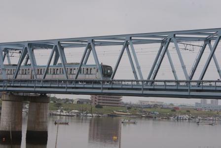 江戸川を渡る東西線①