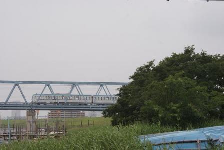 江戸川を渡る東西線②