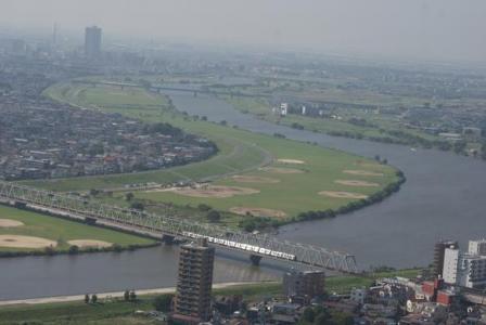 江戸川を渡る京成