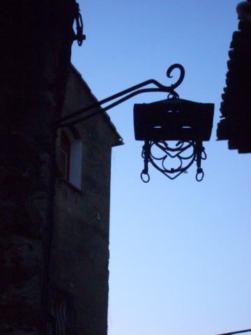 lantern sirouette