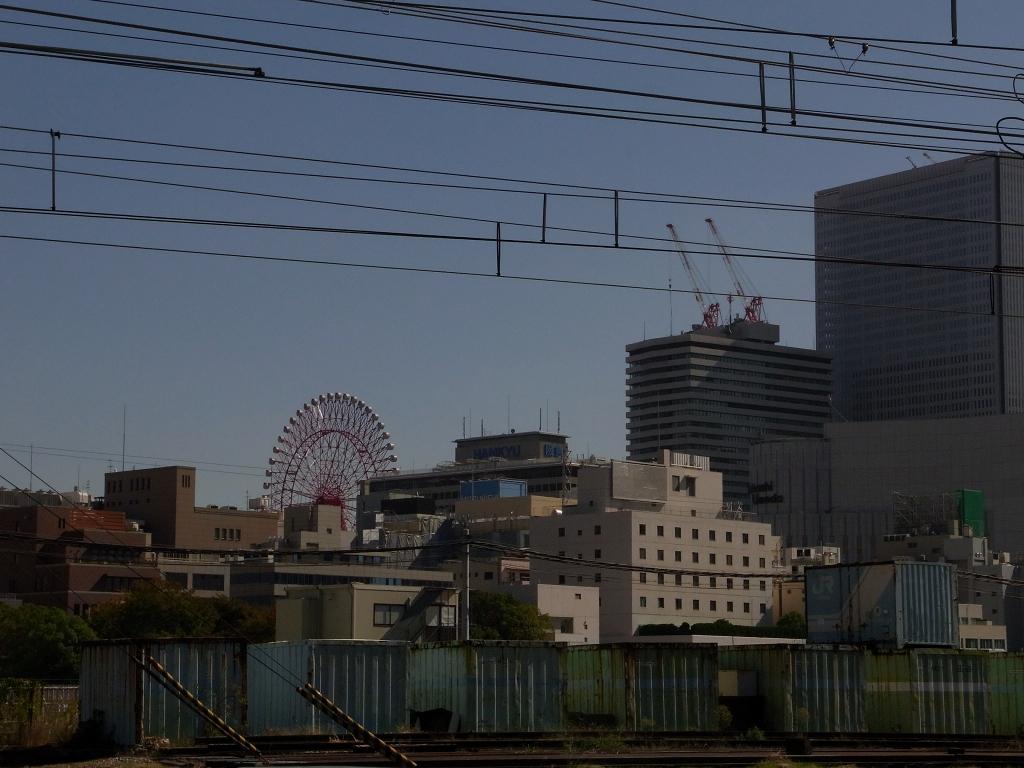中津。貨物駅から梅田を。