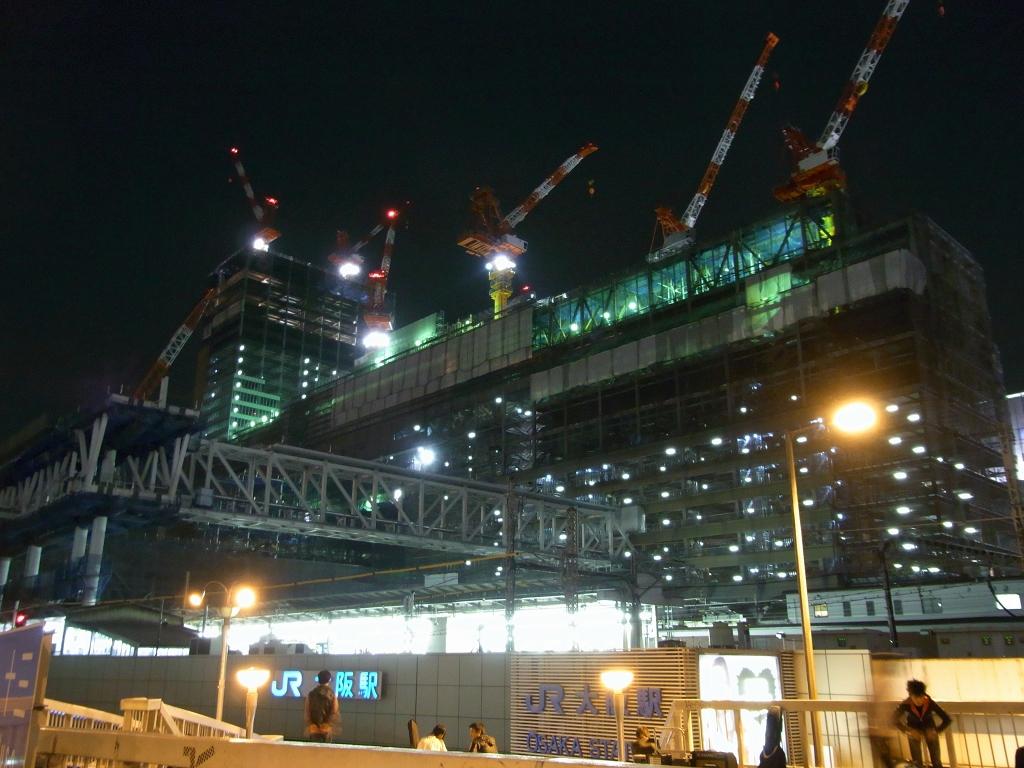 JR梅田駅ビル@建設中。