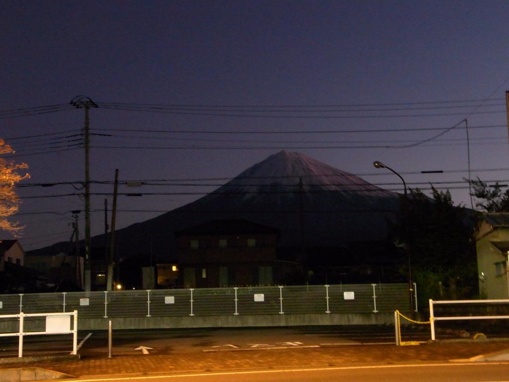 早朝の富士山。