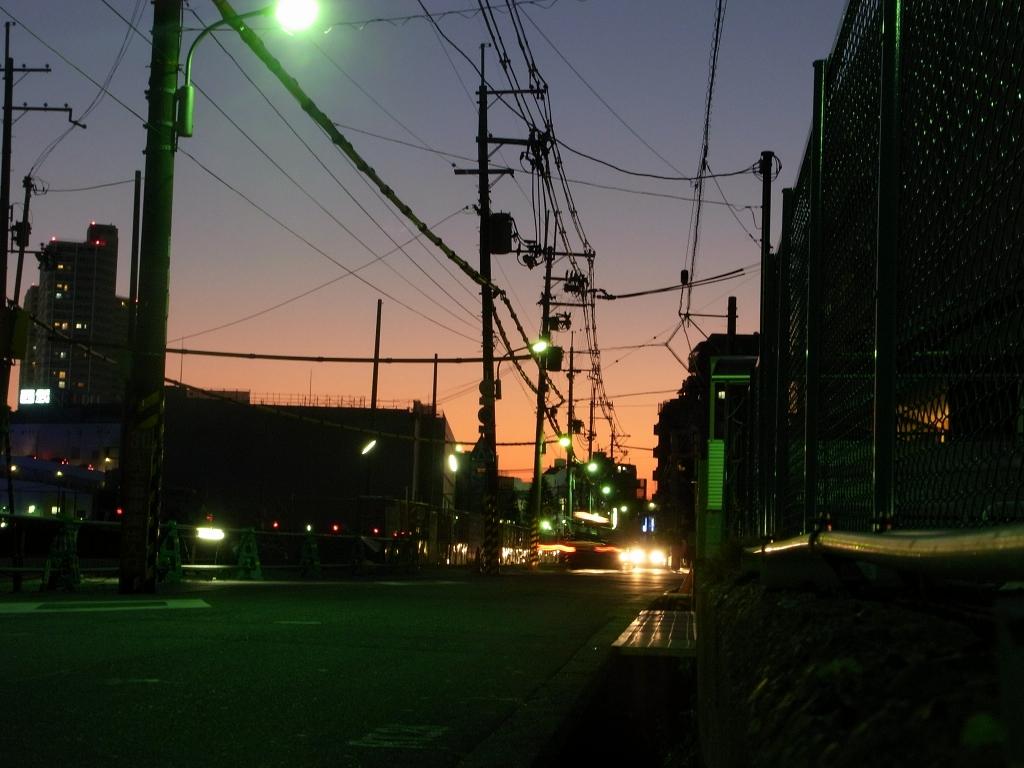 いつもの道、夕暮れ。