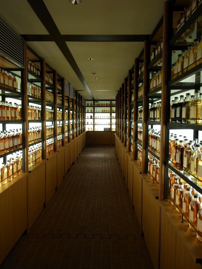 ウィスキー館・ライブラリー。
