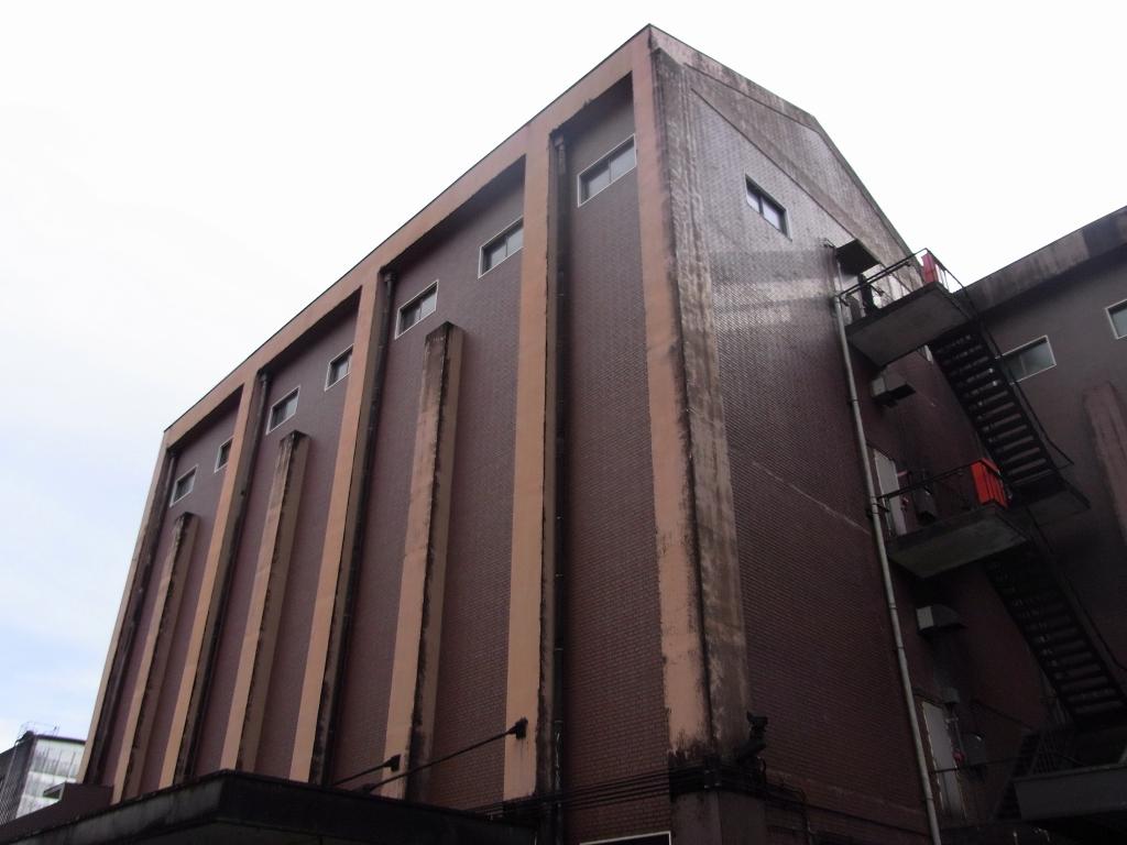 蒸留所建屋。