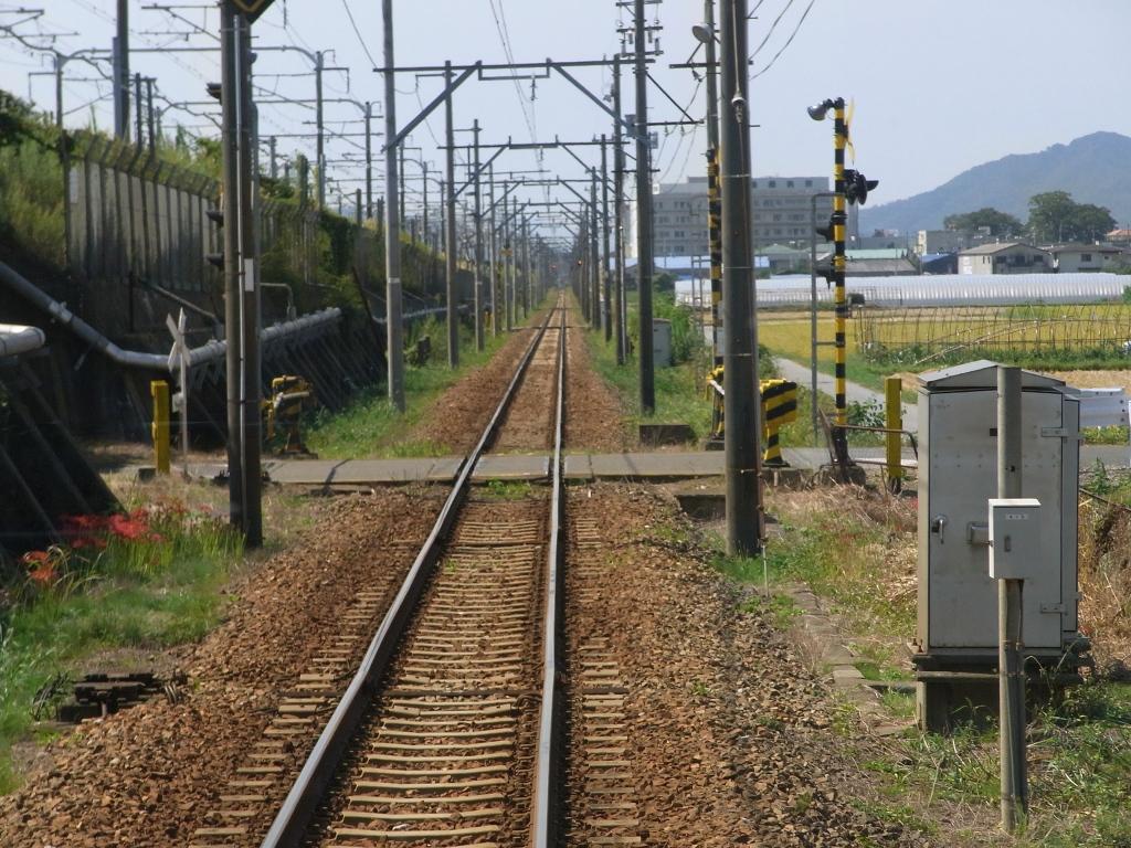 まっすぐな線路。