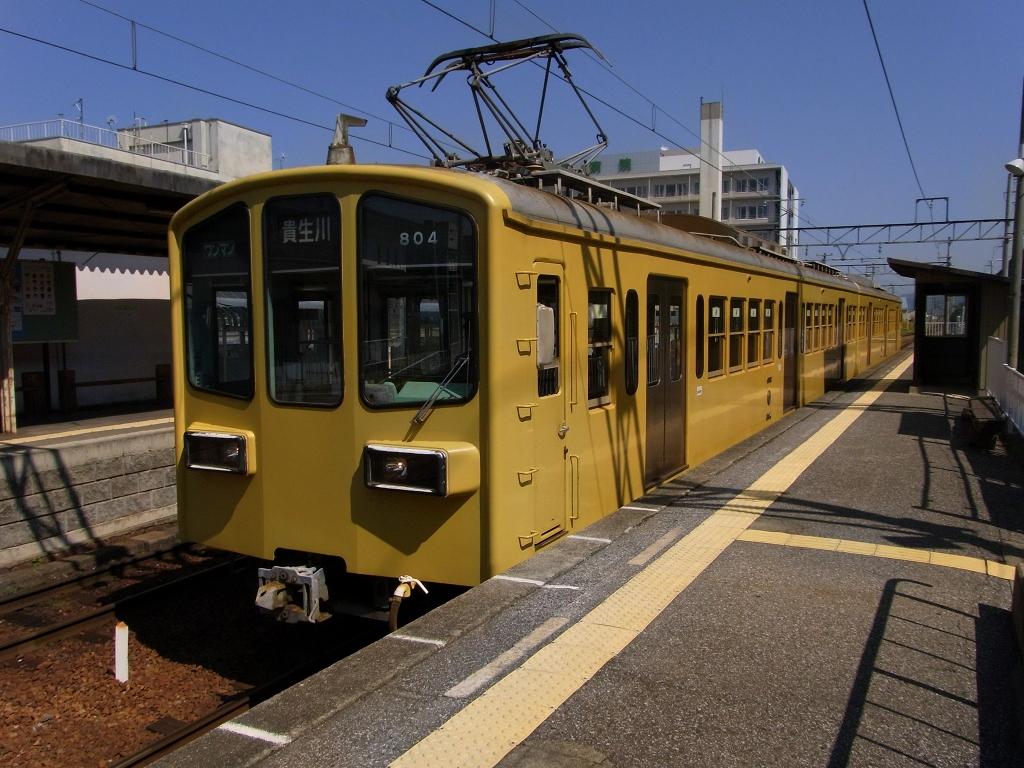 年期の入った電車。