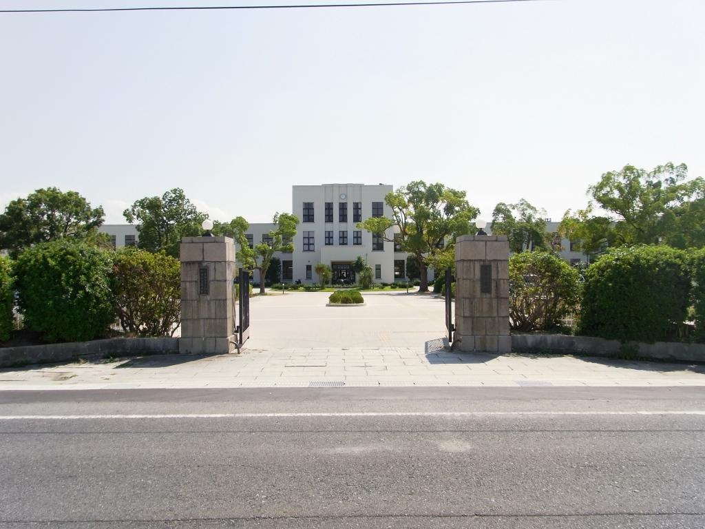 旧豊郷小学校校舎。