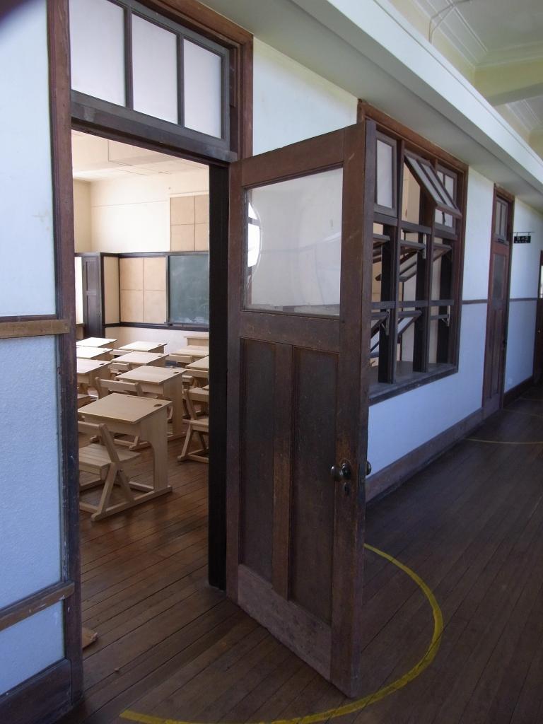 教室入り口。
