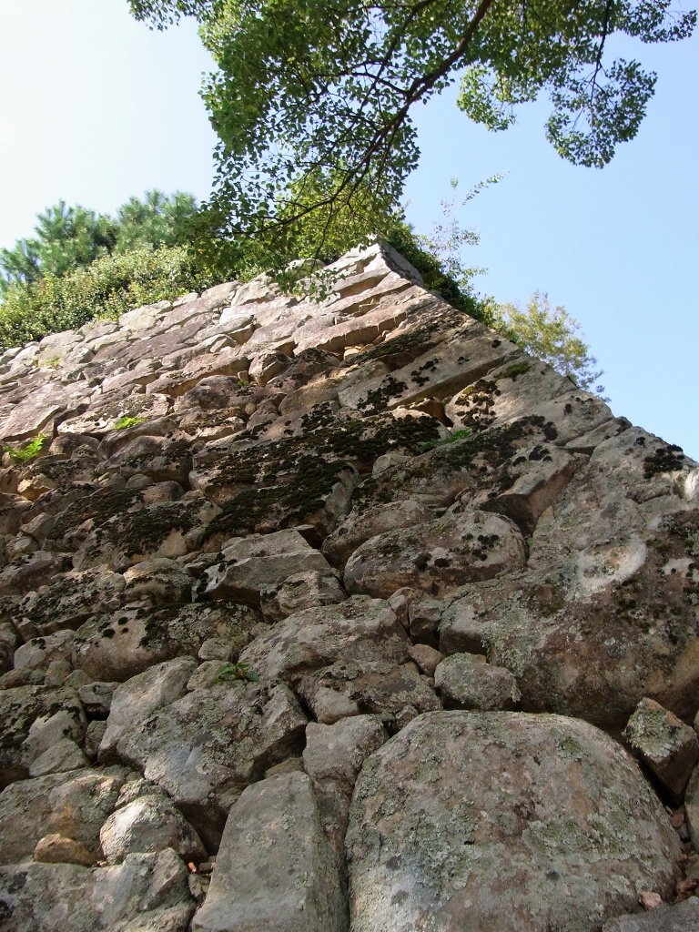 太鼓櫓の石垣。