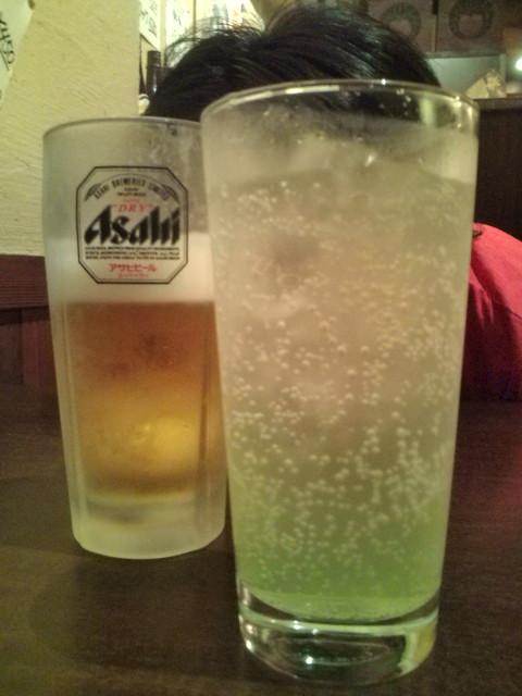 生ビールと青りんごサワー