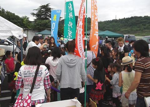 上野町商進会の売り場