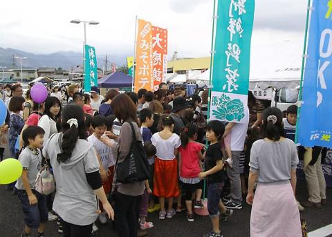 上野町商進会売り場