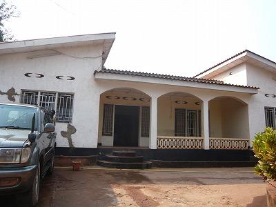 キゴマブルンジ領事館外観