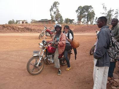 モトバイクで国境越え