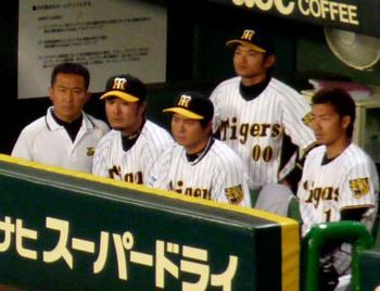 絵日記7・25横浜戦ベンチ3