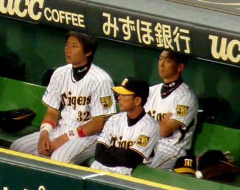 絵日記7・25横浜戦ベンチ2