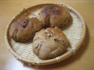 黒砂糖とくるみのパン(あこ酵母) 1 縮