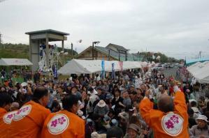 東日本大震災チャリティーイベント「がんばろう東日本仙人まつり」道の駅久米の里Zガンダムモビルスーツ