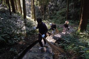 岩屋城ウォークラリー登山下山道整備作州津山商工会青年部久米支部