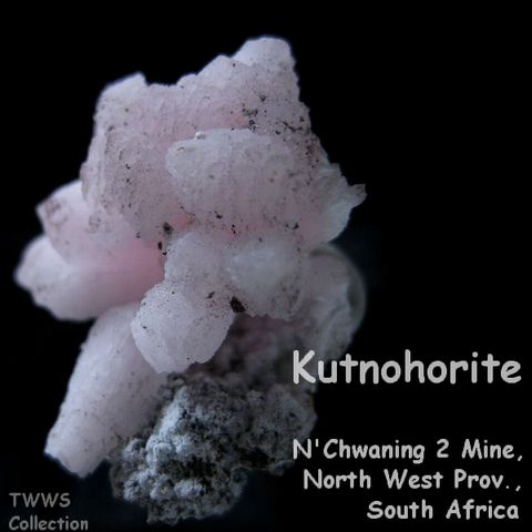 クトナホラ石_南アフリカ1