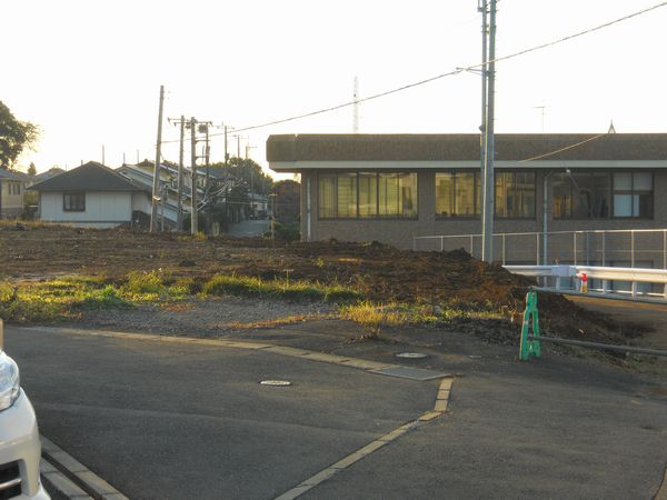 入り口建物樹木撤去後.2jpg