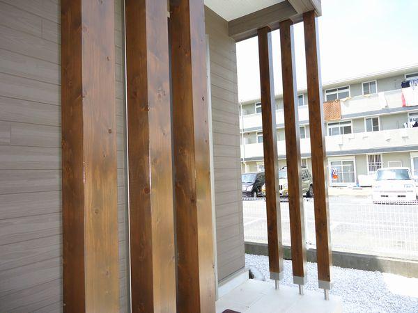 玄関飾り柱、AQシールド塗装済み