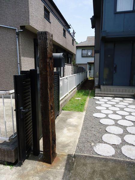 門柱施工前