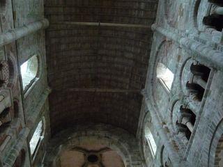 ロマネスク建築の天井