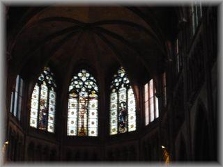 ノートルダム寺院のステンドグラス