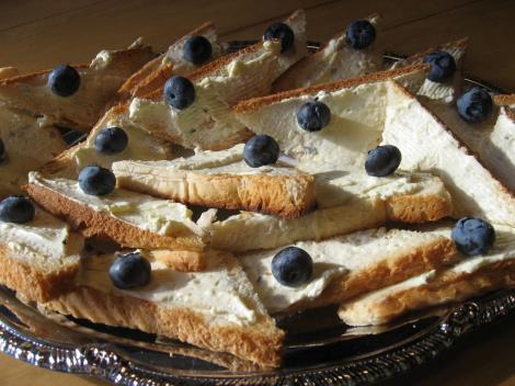 パンにクリームチーズ