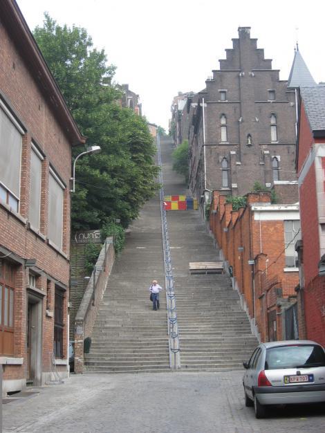 ちょっと~階段が多いー