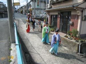 「宮島さん宵祭り・2009.8.2」、船巡行・神職と巫女・神輿