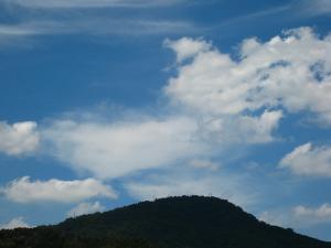 「秋空、秋雲」、2009.・甲山、1