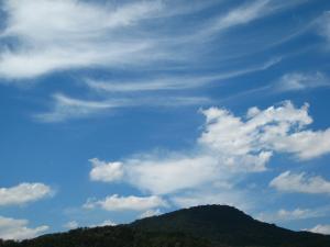 「秋空、秋雲」、2009.・甲山、2