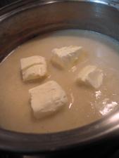 クリームチーズを加えて