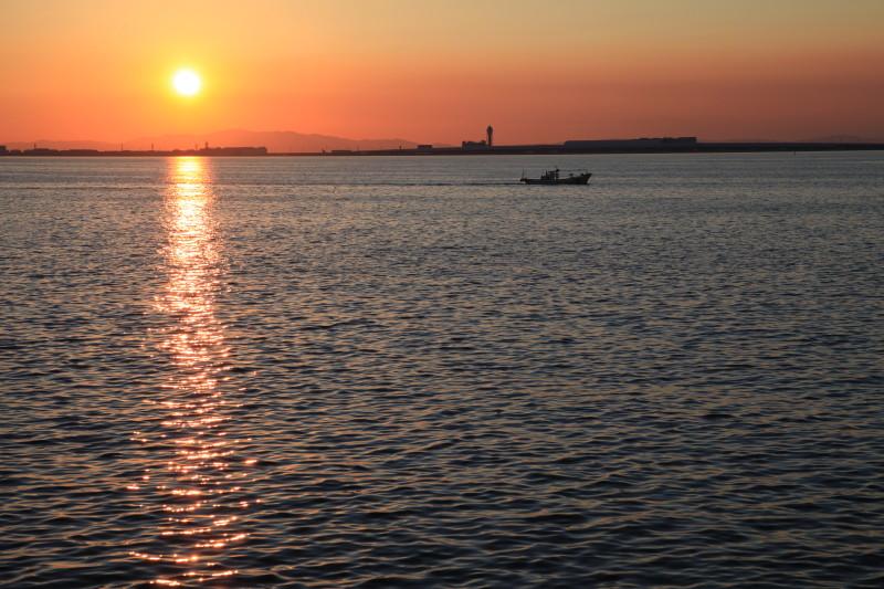 記憶の舟はずっと夕陽の海の上