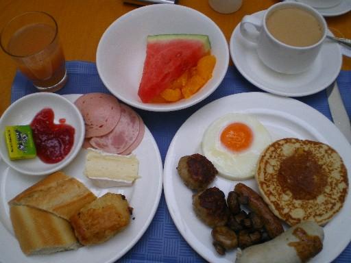 朝食 HEI
