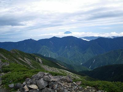 前聖からの富士山 手前は笊ヶ岳