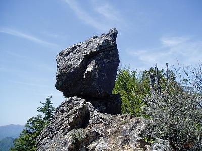 途中の奇岩