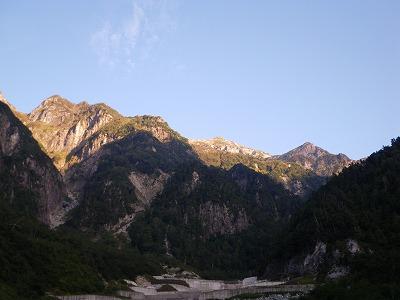 穴毛谷の奥に笠ヶ岳