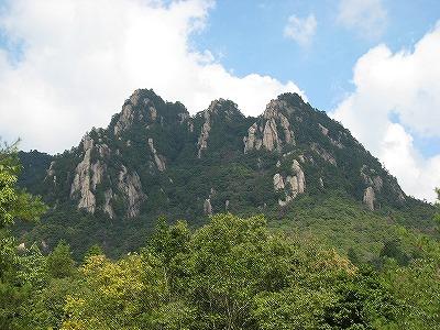 8三倉岳全景タイトル