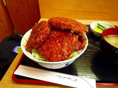 コスパに優れ&美味しい「トンカツ浅井」の「ソースカツ丼」