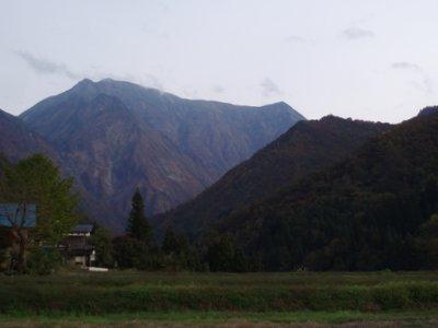 越後駒ケ岳でしょうか?