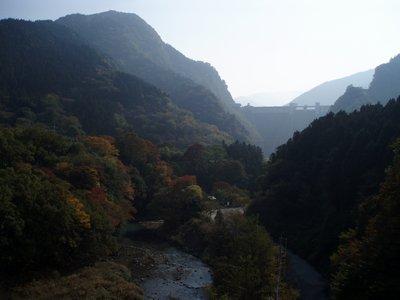 秩父盆地の紅葉はもう少し@秩父さくら湖