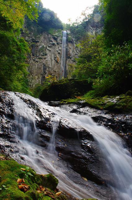東椎屋の滝1